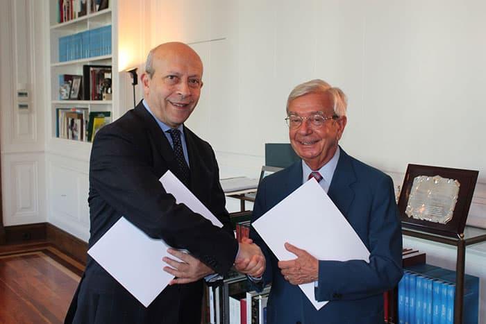 La RAG suscribe un importante acuerdo con el Ministerio de Educación