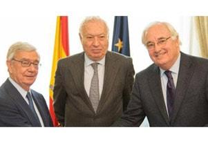 La Real Academia firma un convenio de colaboración con el Ministerio de Asuntos Exteriores