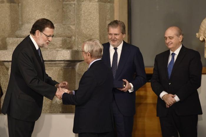 Rafael Ansón recibe la Gran Cruz de Alfonso X el Sabio