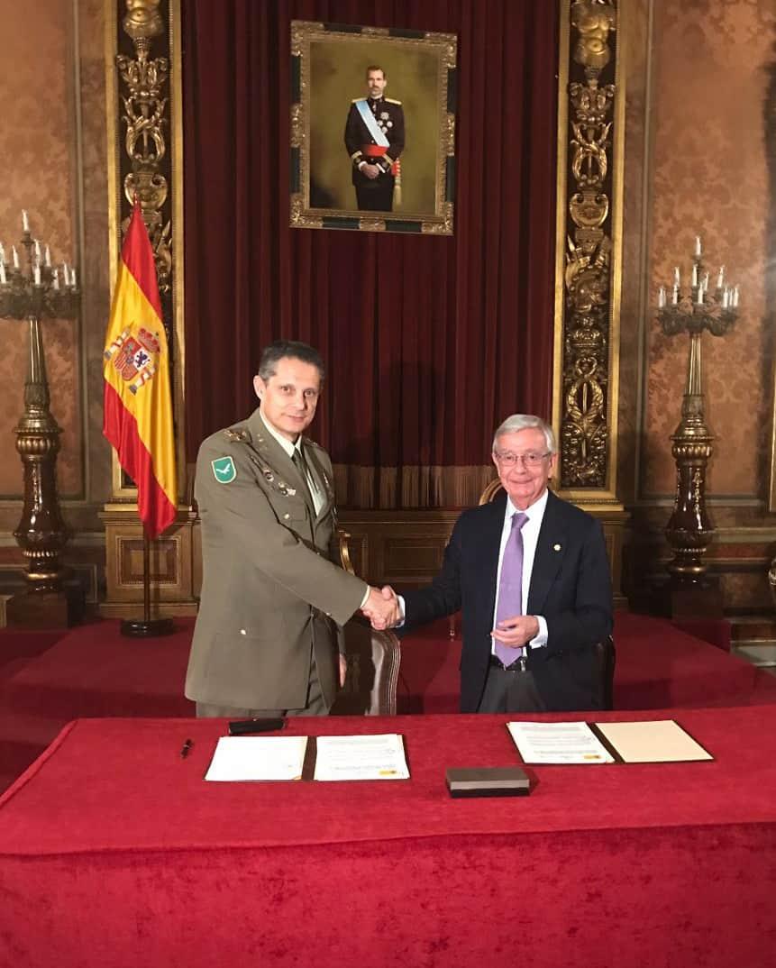 Convenio entre el Ministerio de Defensa, la RAG y su Asociación de Amigos